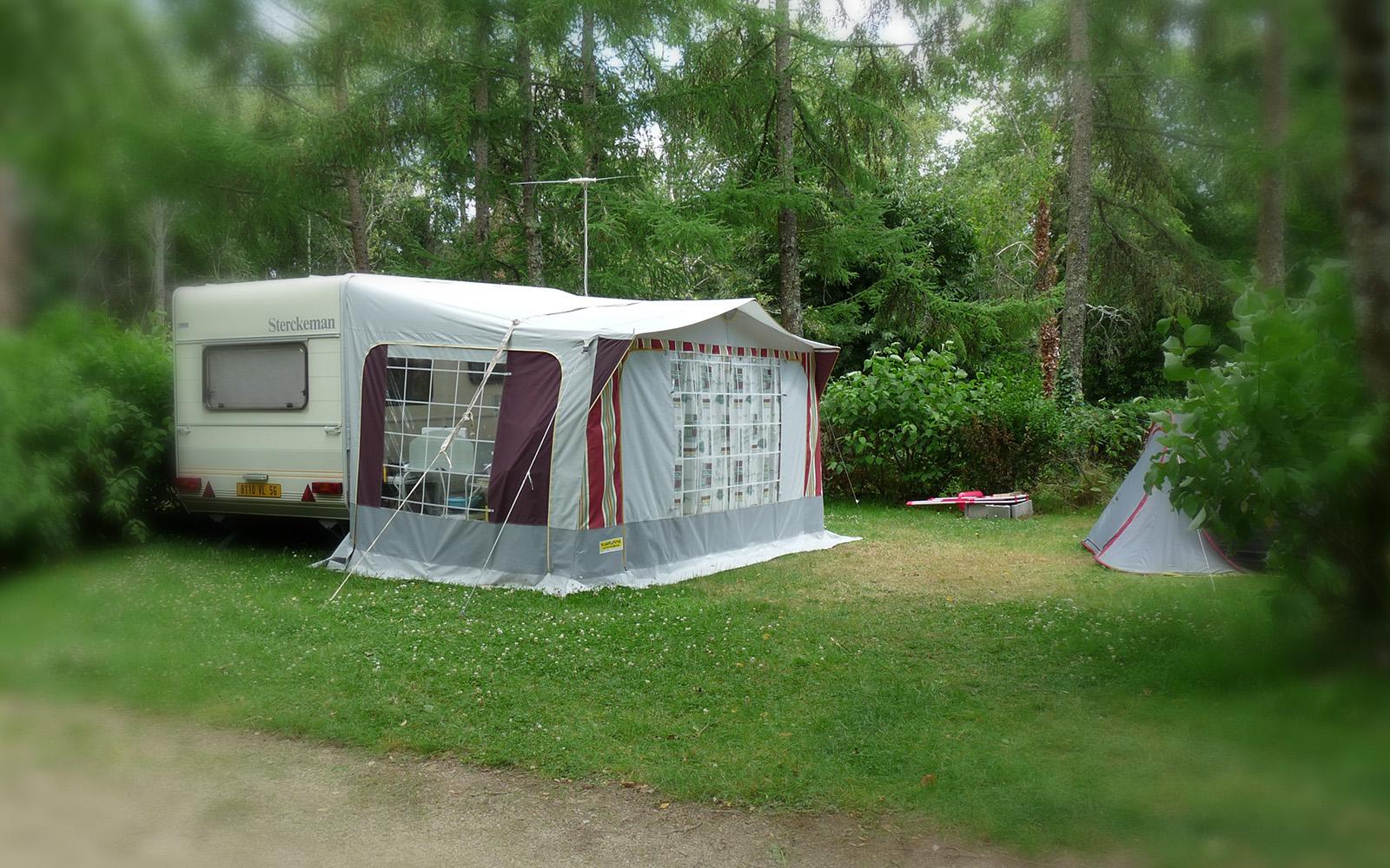 camping des 3 tangs camping municipal de rosporden. Black Bedroom Furniture Sets. Home Design Ideas